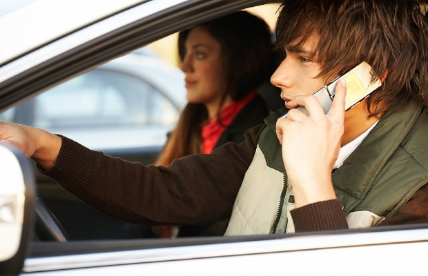 Senate Passes Ban on Driving with Handheld Phones