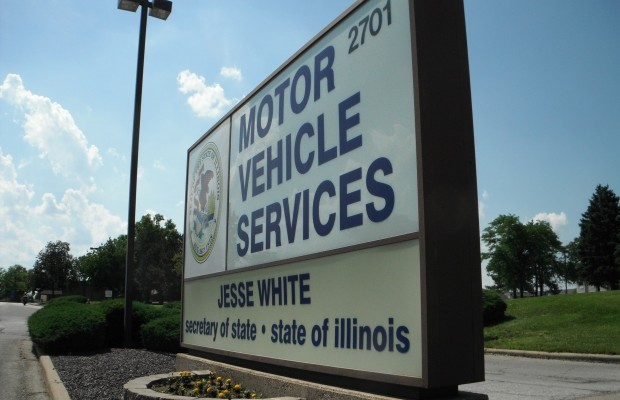 Illinois Prepares for Immigrant Drivers Licenses