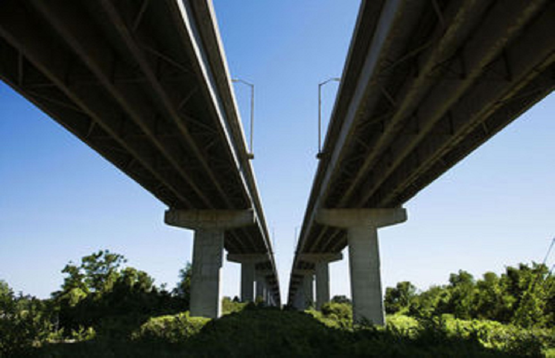 Study: Illinois Infrastructure Improving but Still Unacceptable