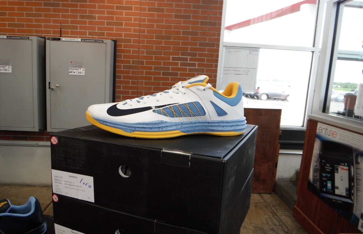 Iguodala Shoes Donated to Area Kids