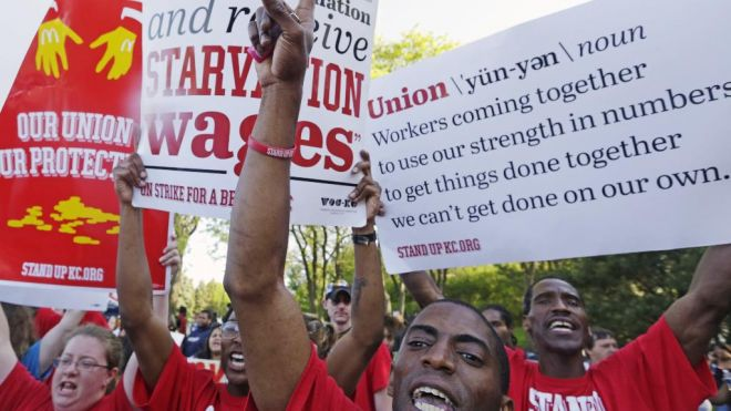 Chicago Suburb Gathering Spot for Fast Food Industry Workers Demanding Raises, Unions